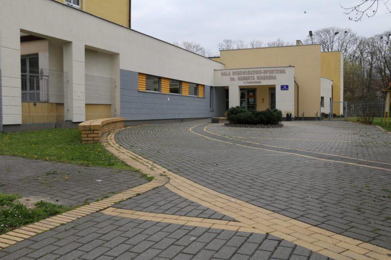 Punkt szczepień na hali sportowej w Pyskowicach