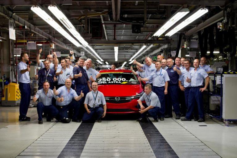 Opel kończy produkcję w Gliwicach. Teraz czas na dostawczaki