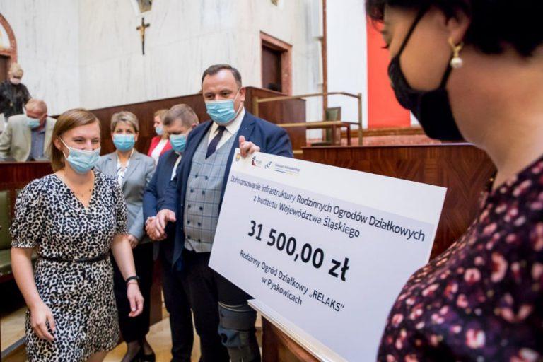 Działkowcy z Pyskowic otrzymali pieniądze na odwodnienie